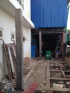 sửa chữa nhà xưởng, văn phòng, mở rộng cầu thang, phá rỡ cầu thang cũ